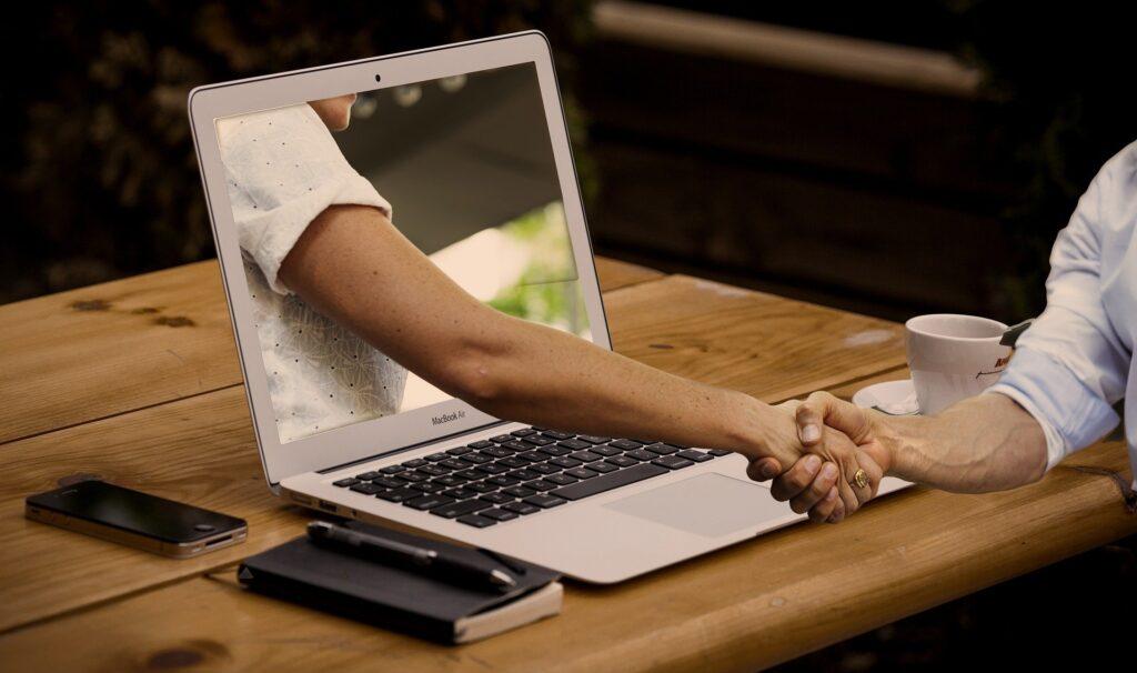 Pozyskanie pierwszego klienta wirtualnej asystentki
